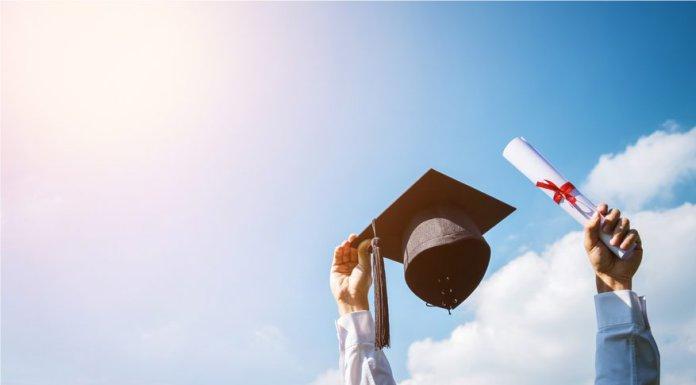 What is an Associate's Degree? Associate's Degree Definition